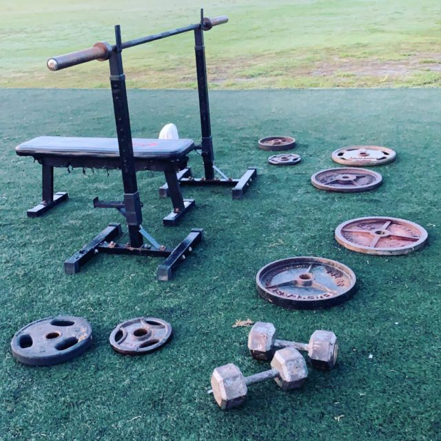 BEAST NATION,  Remember the iron NEVER lies.... and today is no different, get ready to grip that bar and change your physique!  . .  SHOW UP! SHUT UP! PUT IN WORK! . . #outdoorworkout #benchpress #respecttheiron #todaywelift